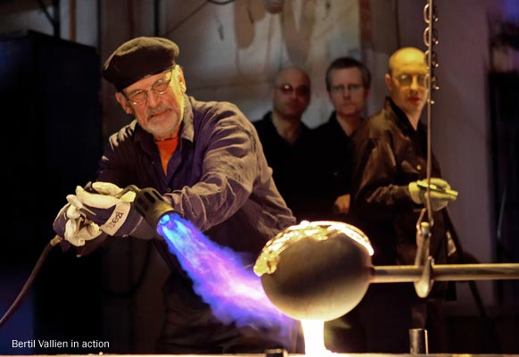Bertil Vallien in action